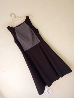 Платье в H&M размер 36