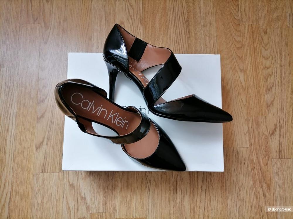Туфли лодочки Calvin Klein, размер Us9 (39)