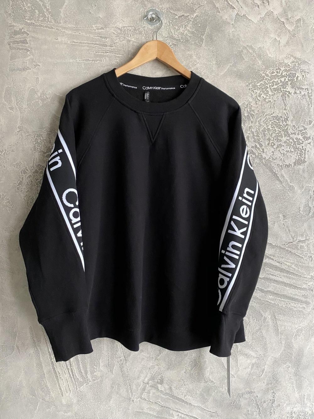 Костюм женский Calvin Klein размер L