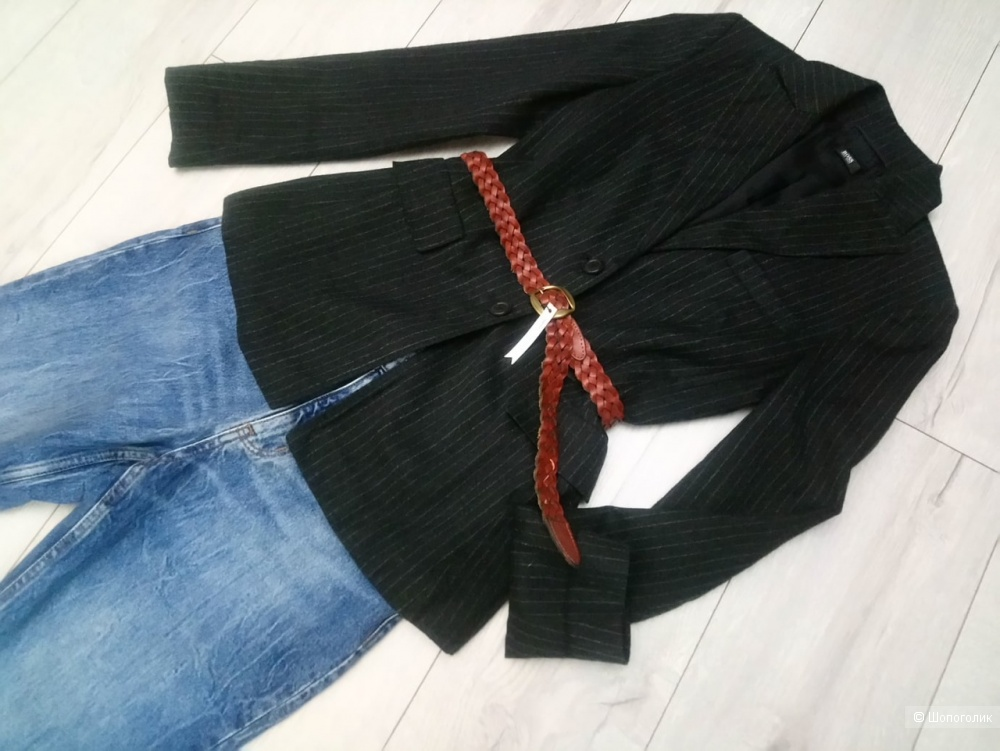 Шерстяной пиджак HUGO BOSS,100% шерсть, размер ит 40( рос 42-44)