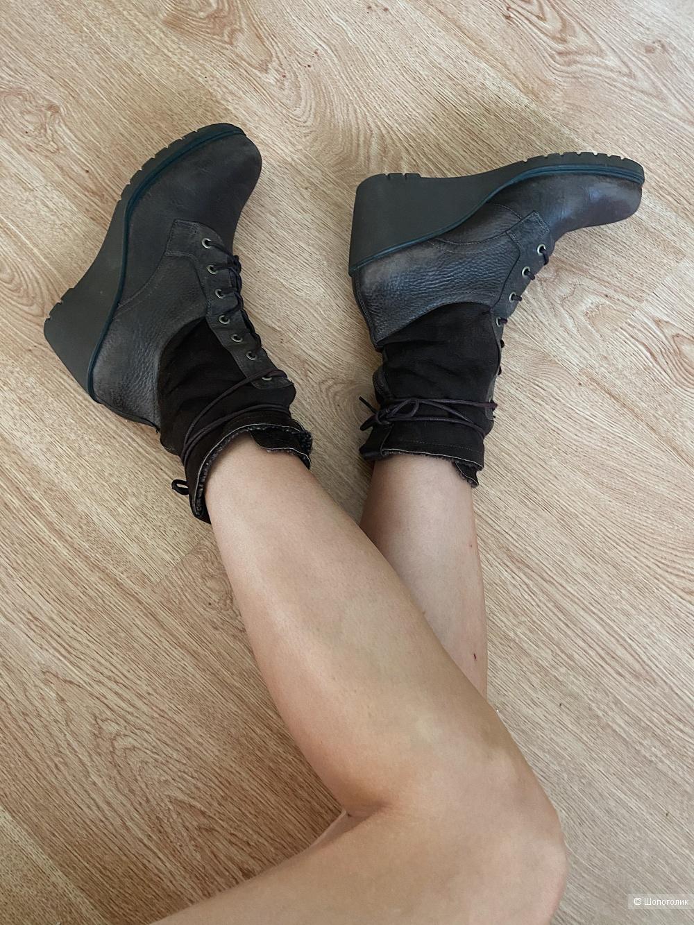 Ботинки Ecco 39 размер