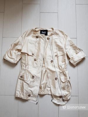 Лёгкая куртка Dolce&Gabbana 38 размер