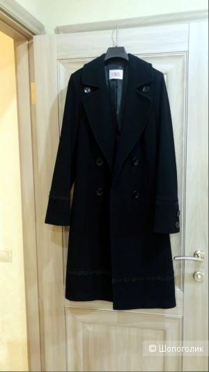 Пальто DOMINI. Размер 44-46.