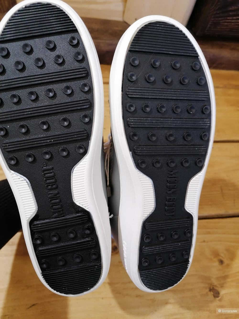 Ботинки Moon Boot размер 37 европейский