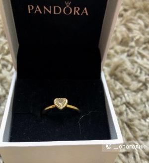 Pandora кольцо «Сияющее сердце»