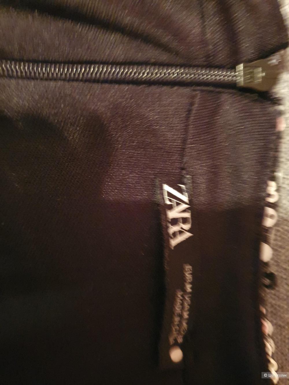 Платье Zara в размере М