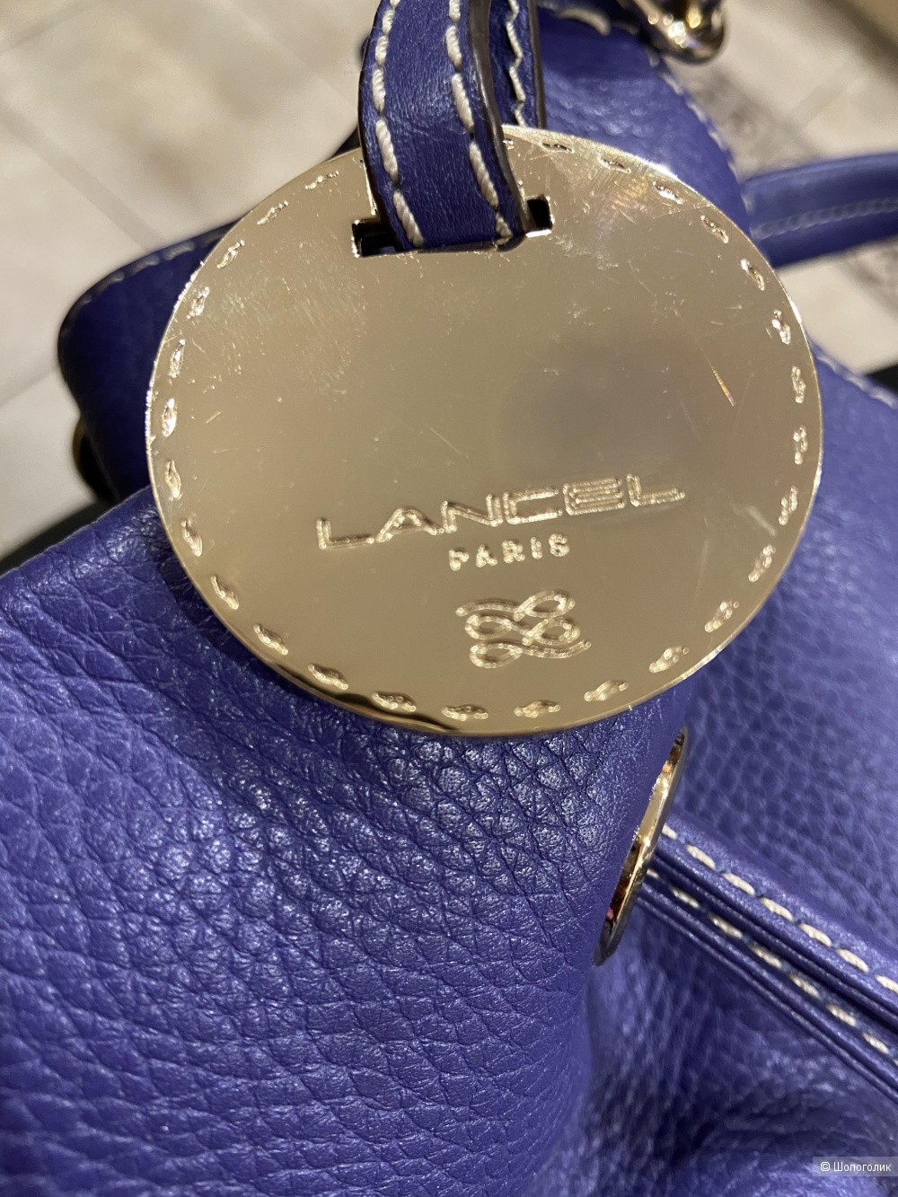 Яркая кожаная сумка Lancel размер М