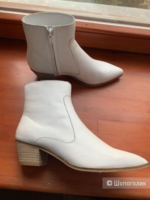 Ботинки- казаки Mango 39 размер