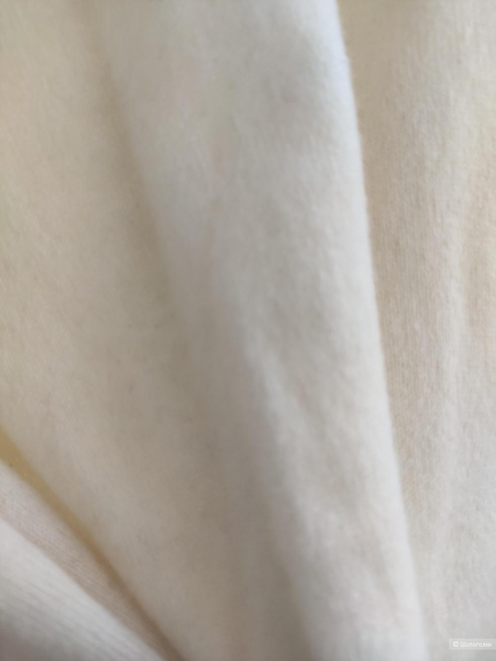 Кашемировые джемпер uniqlo размер М