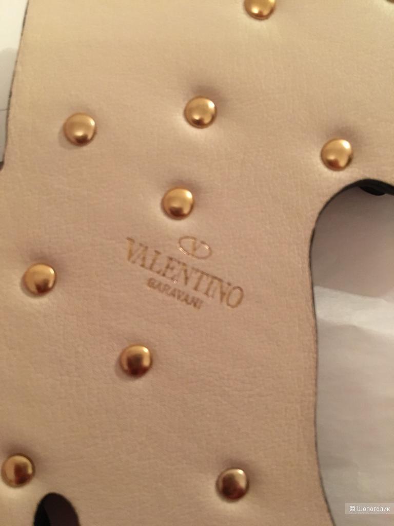 Кожаный брелок Valentino Garavani