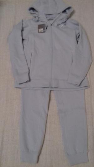 Спортивный костюм GYMSHARK, размер L