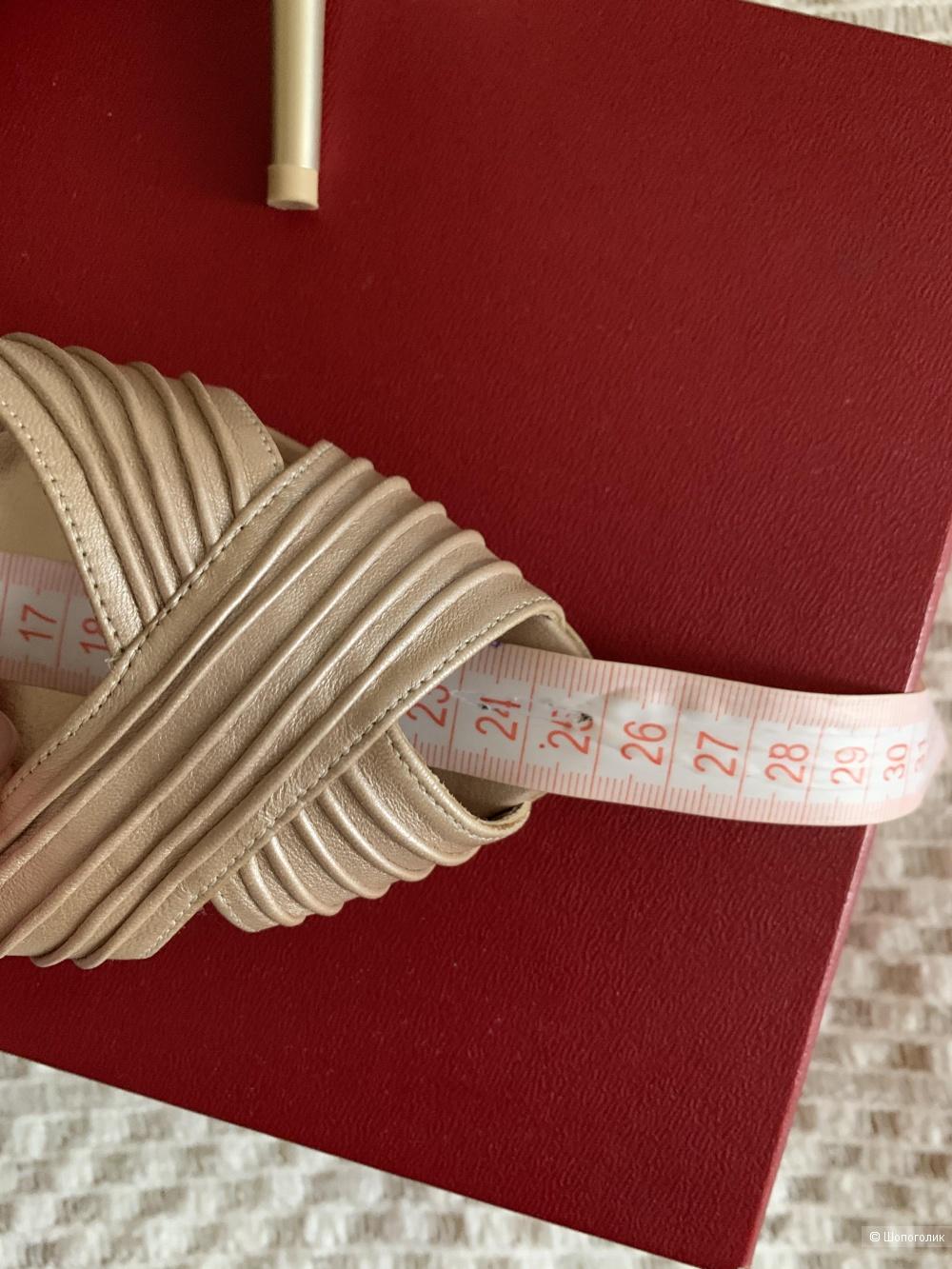 Босоножки Salvatore Ferragamo, размер 7,5 (38)