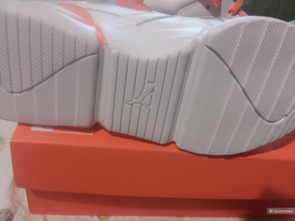 Женские кроссовки PUMA x PANTONE 2 WN 38 размер