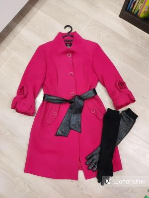 Малиновое пальто+перчатки, размер S-M
