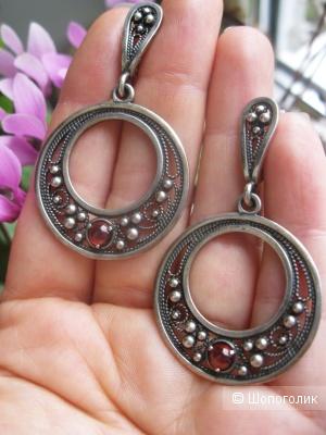 Серебряные серьги с гранатами, 925