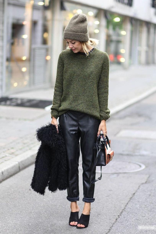 Шерстяной свитер trussardi, размер 46/48/50