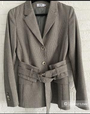 Пиджак костюм с стильным ремнём корсетом 42 размер Белоруссия