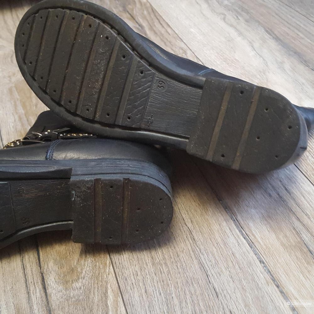 Женские итальянские ботинки  DADA 39-40 размер