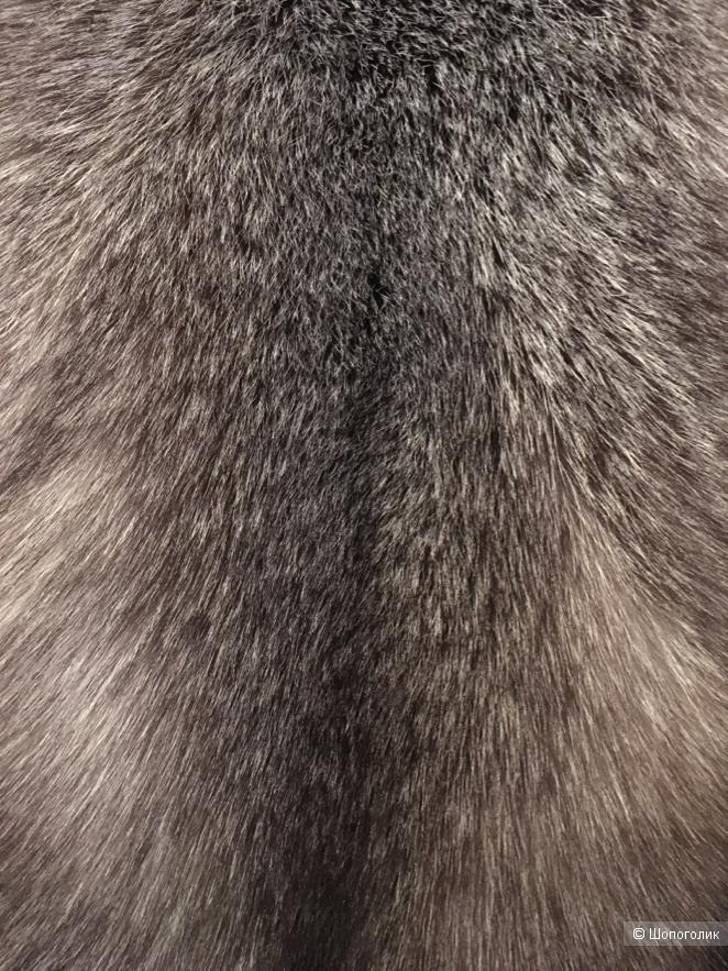 Жилет из меха чернобурки Silver fox