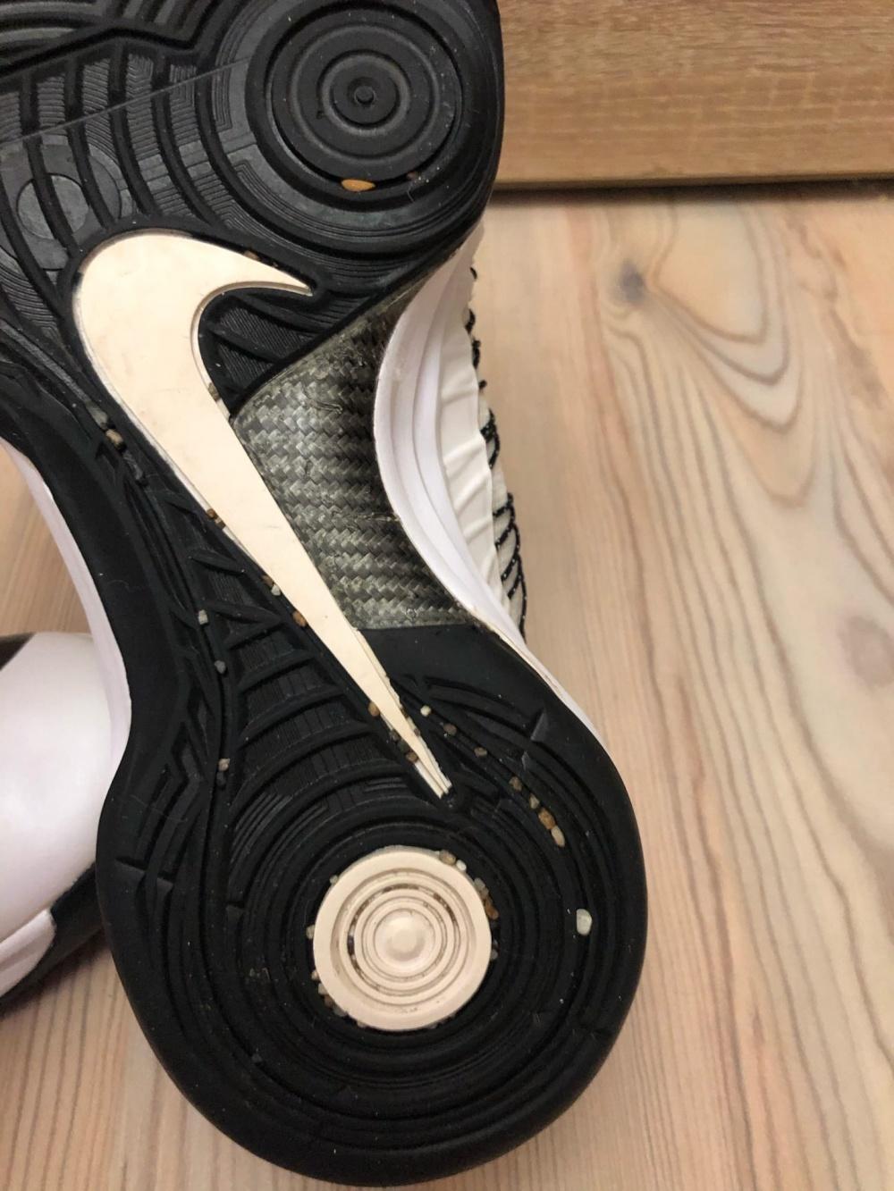 Кроссовки Nike. Размер Евр.42.