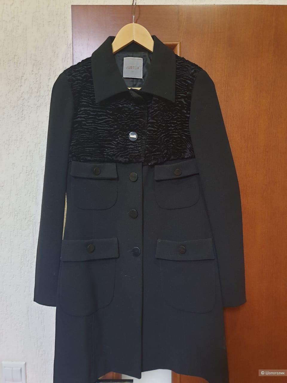 Пальто итальянского бренда JAST-R, размер s.
