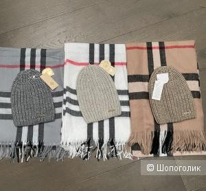Комплект шапка и шарф Burberry, one size