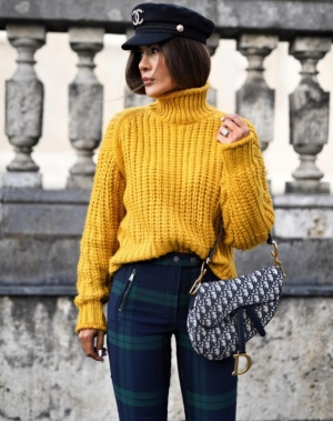Кроп-свитер  H&M . Размер М-L-XL.