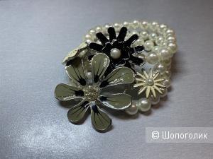 Тройной жемчужный браслет с цветами