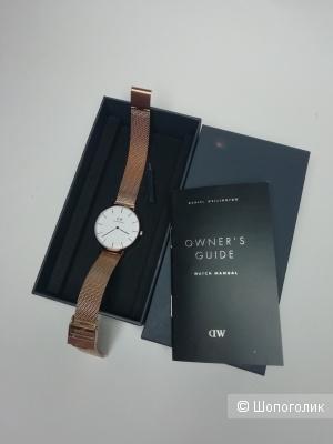 Часы DW petite