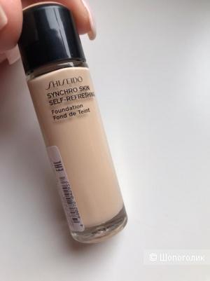 Устойчивый тональный Shiseido Synchro Skin тон 160.