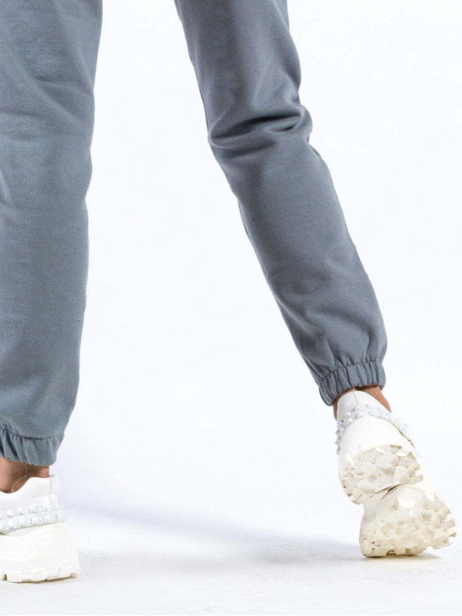 Спортивный костюм - брюки и толстовка с капюшоном, размер M-L