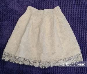 Новая юбка белая, 42-44 рр