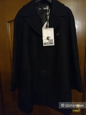 Пальто love moschino, 46 ит