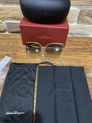 Солнцезащитные новые очки Salvatore Ferragamo