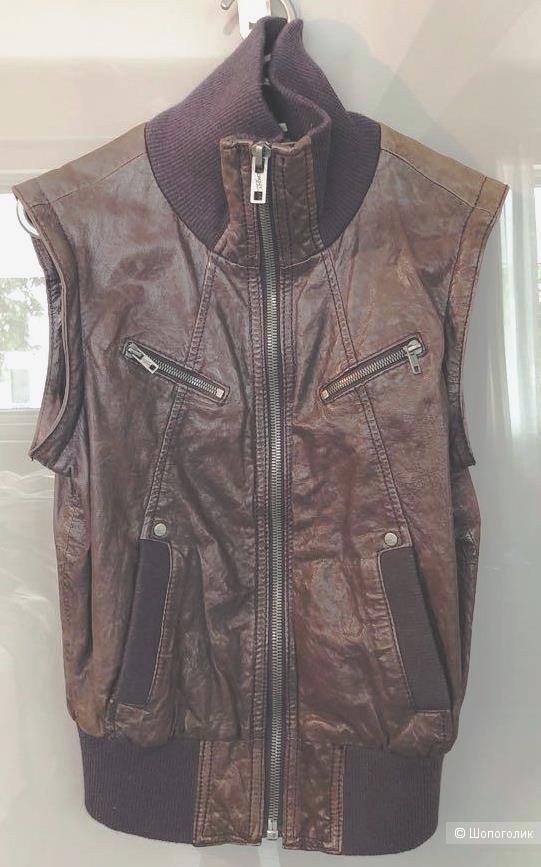 Кожаная куртка DKNY jeans на 42-44 р-р