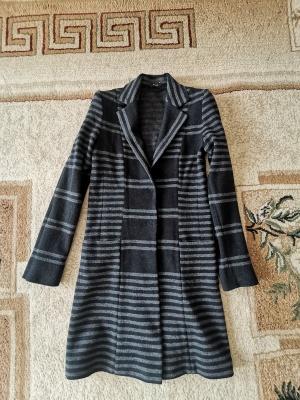 Riani легкое пальто размер 42-44 росс.