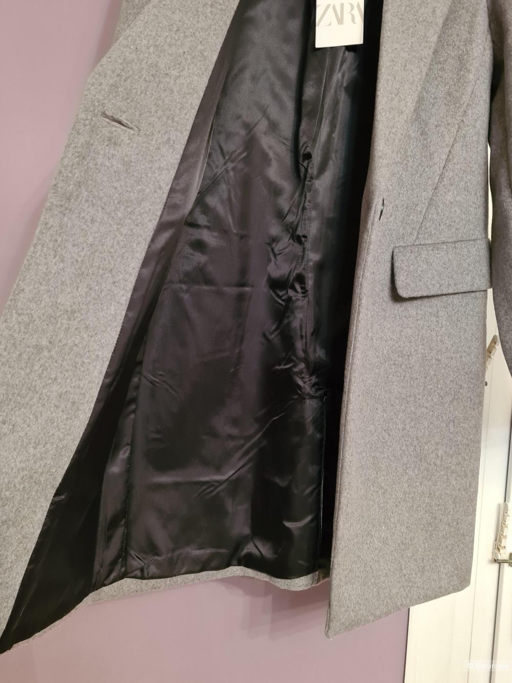 Пальто Zara, 42-44 рр