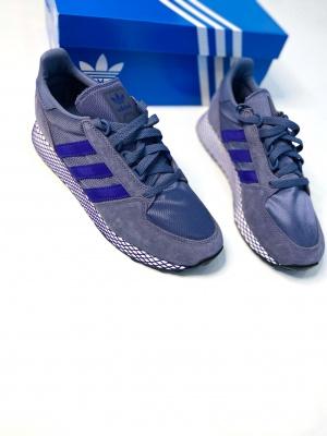 Кроссовки Adidas 40 размер 8,5 us