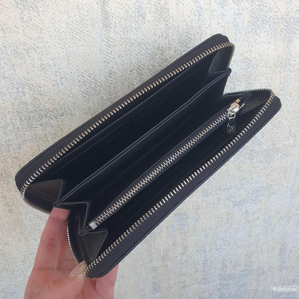 Кошелек Louis Vuitton Zippy серо-черный