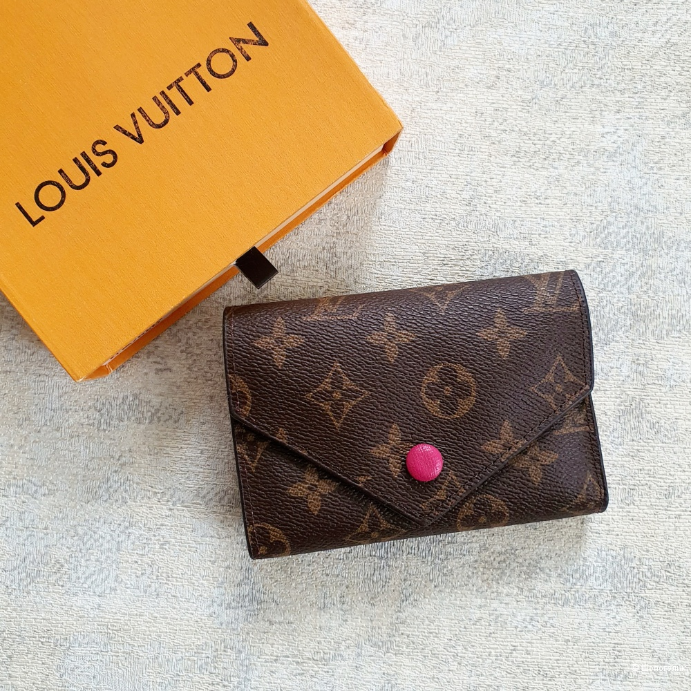 Кошелек Louis Vuitton Victorine фуксия