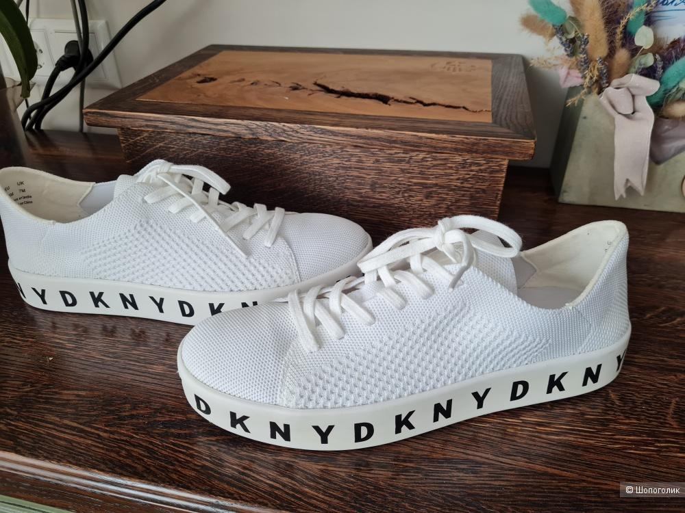 Кроссовки DKNY размер 9,5US