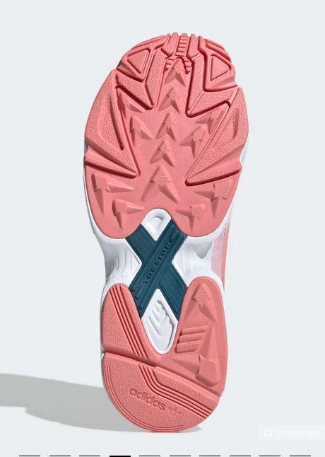 Кроссовки Adidas  37