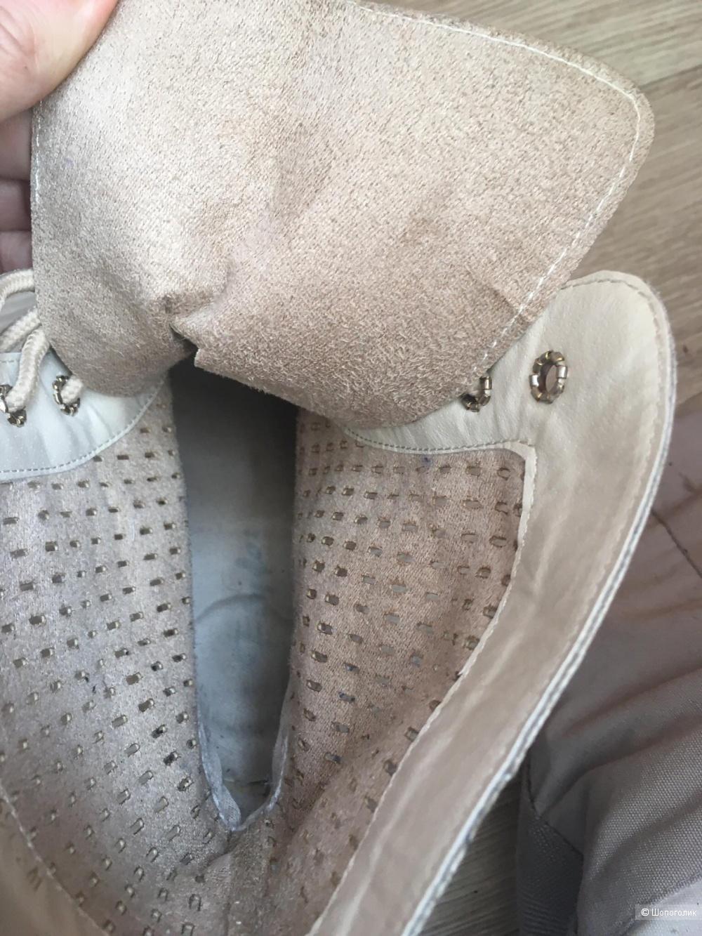 Кожаные ботинки Flybot размер 39 на 38