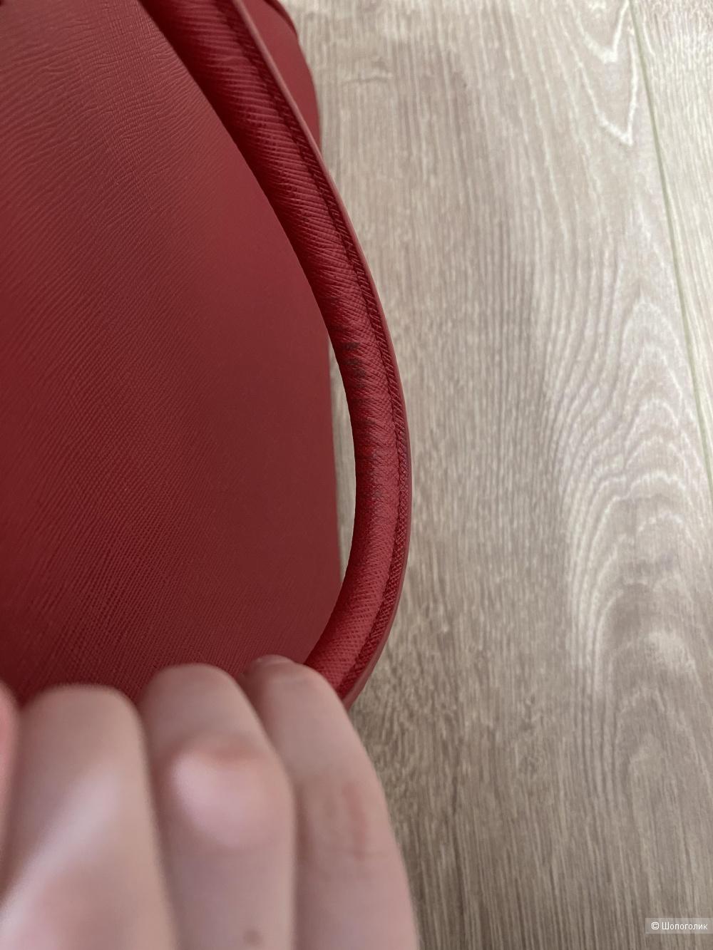 Сумка Prada размер 33 на 24 см