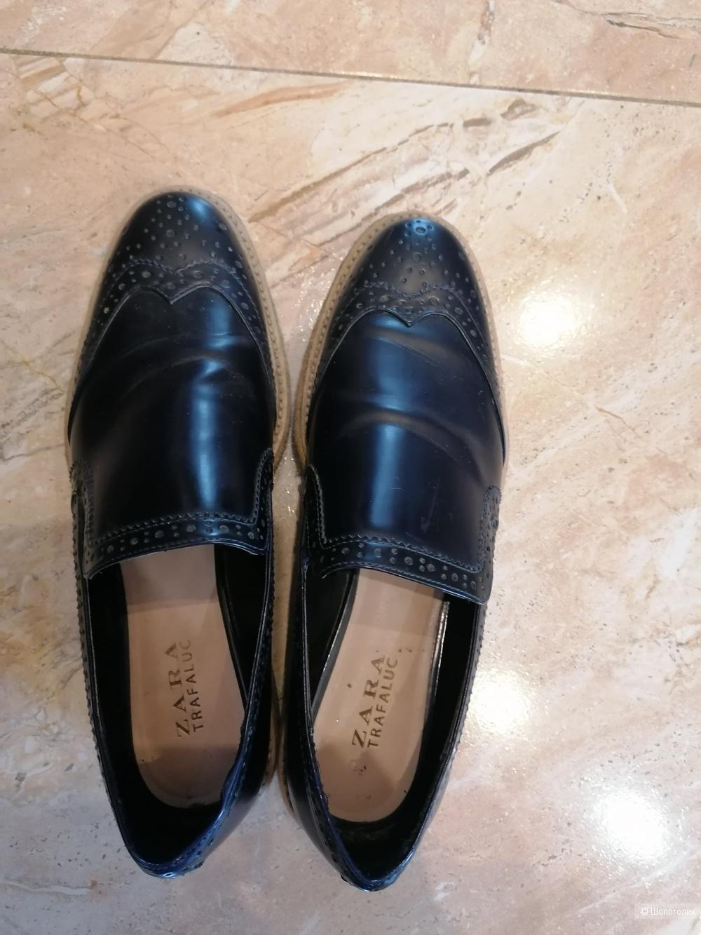 Кожаные туфли Zara 40 размера
