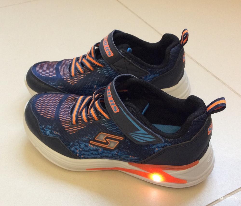 Кроссовки Skechers Lights р.34 (2,5US)