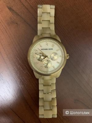 Часы наручные Michael Kors  диаметром 3,5 см