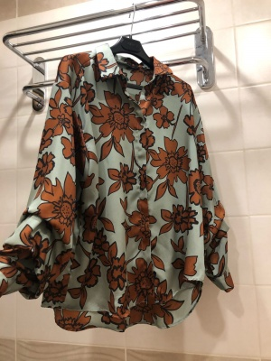 Блузка  Zara. размер M-L-XL.