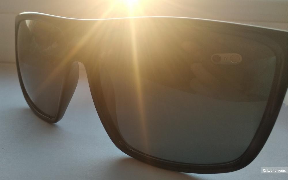 Очки солнцезащитные Polaroid /унисекс/