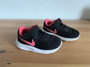 Кроссовки Nike Tanjun, размер 21